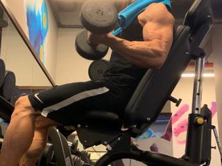 MuscleHunkBrad (25)