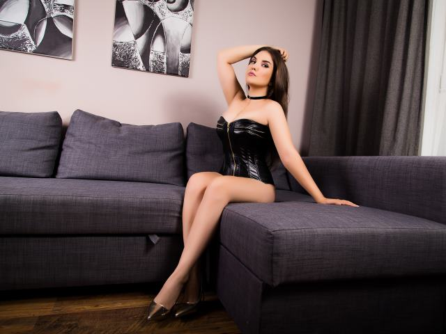 VanessaDeluxe1 - 2