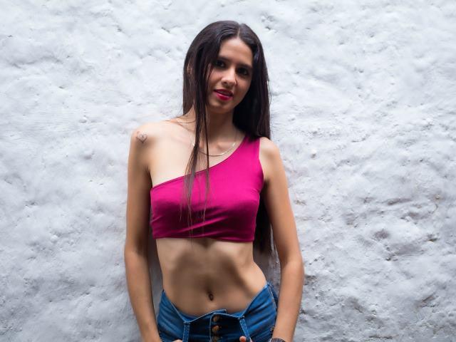 Sarah_Sofia - 1