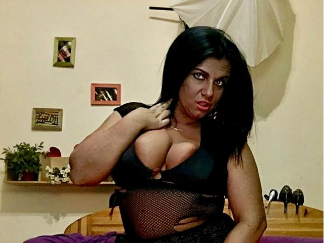 BustyMILF4play